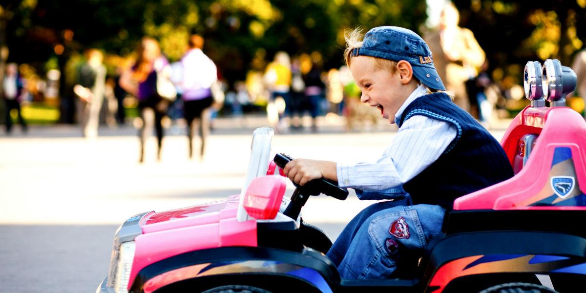 Dalen Parkering underholdning for barn i bil