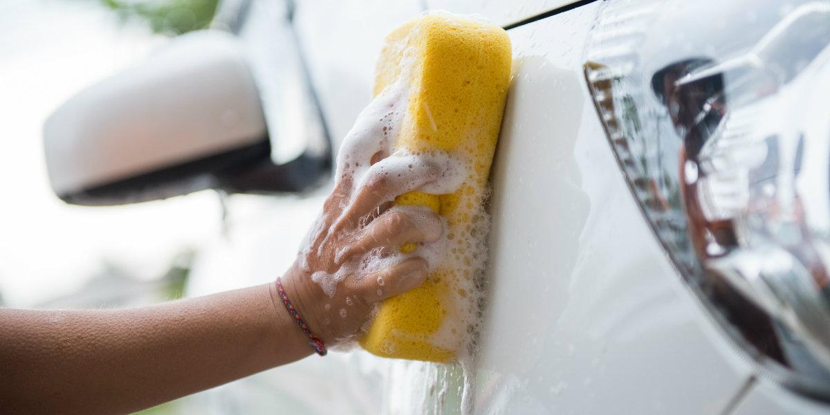 Vask bilen din hos Dalen Parkering