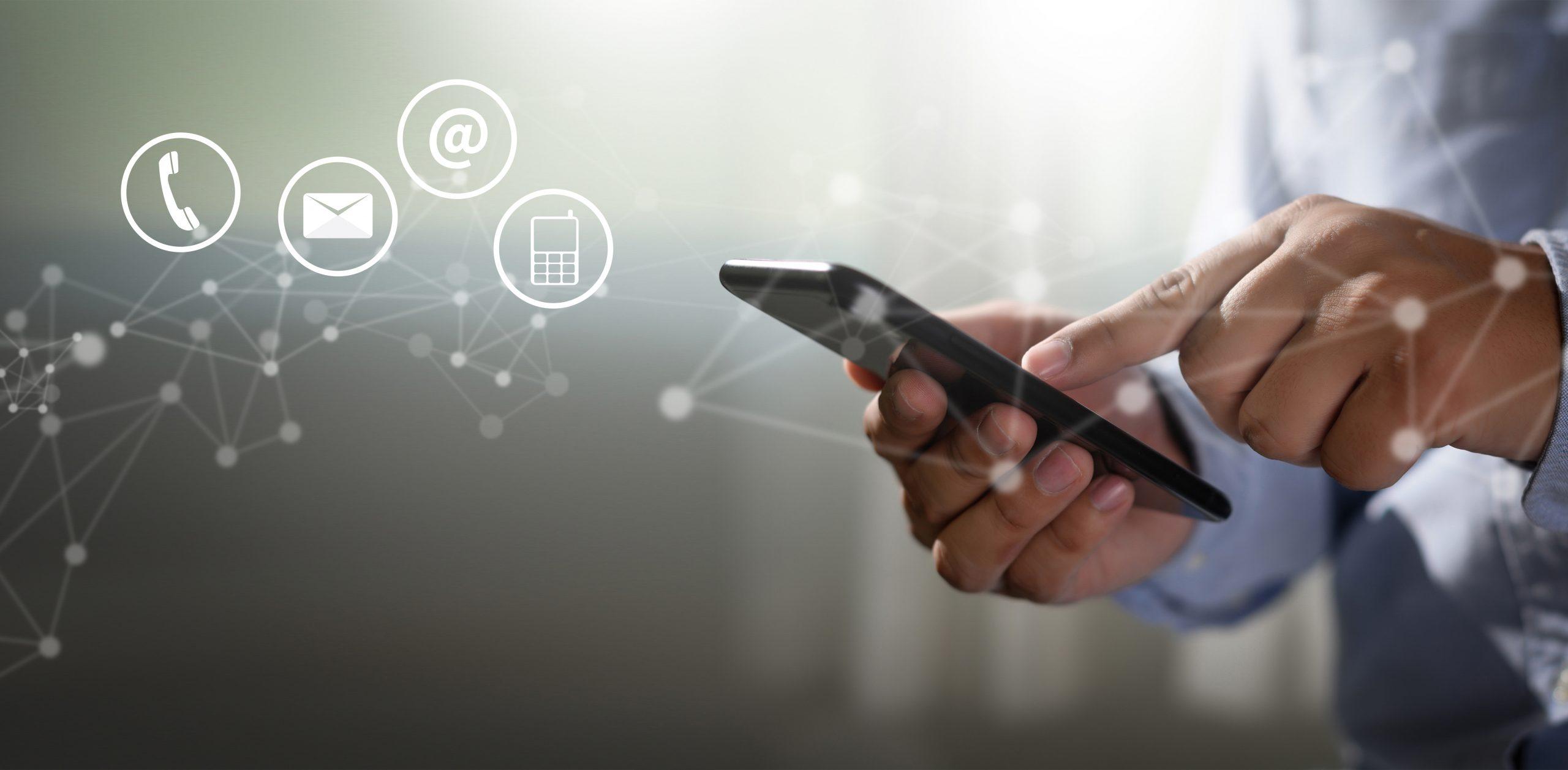 Bilde av en mobil med mail ikon og telefon ikon